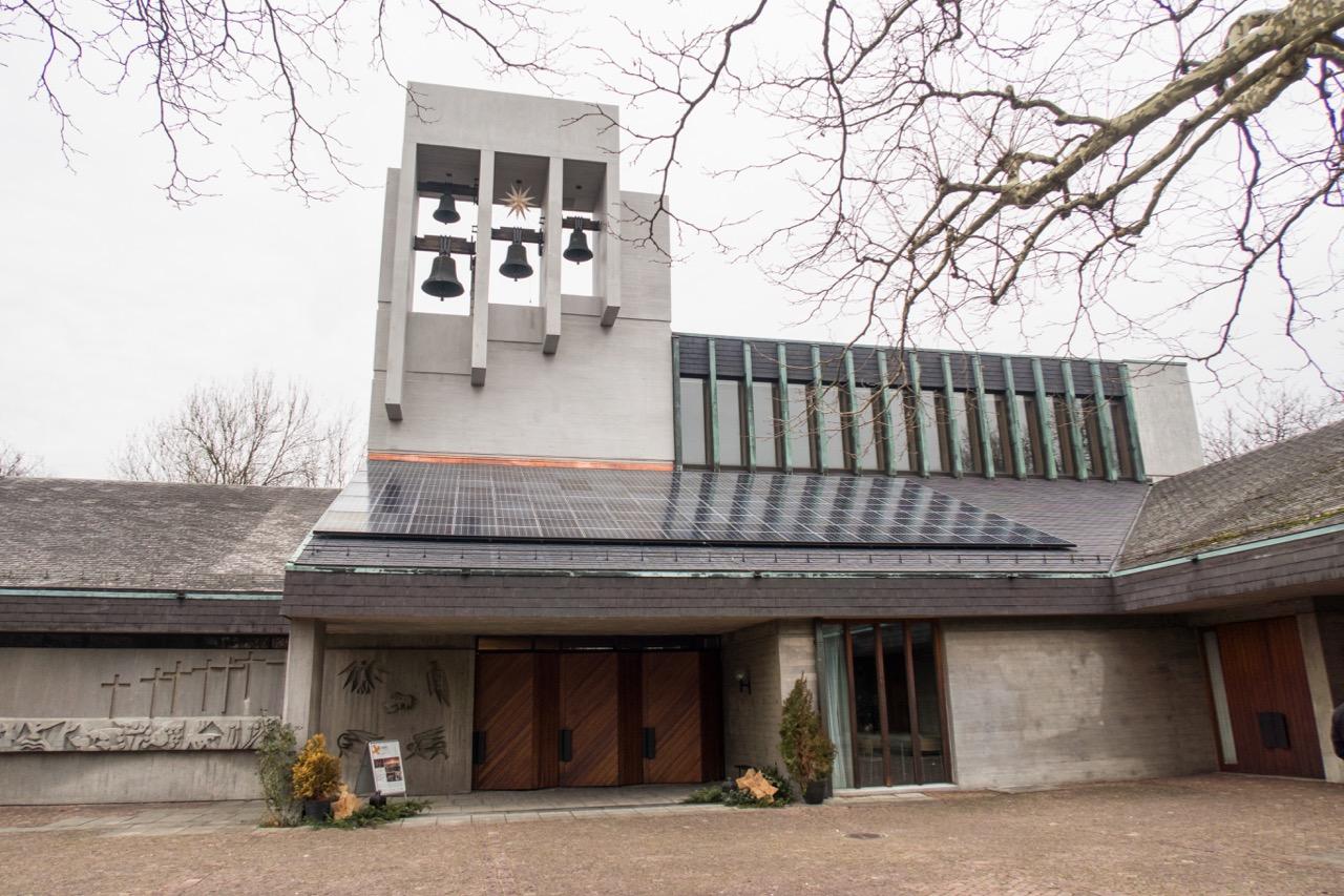 Südfassade, Dachreiter mit Glocken
