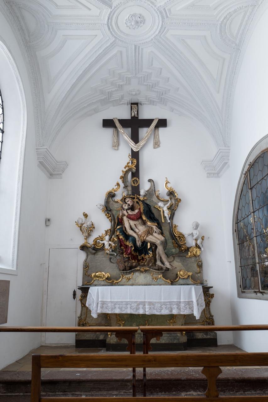 """Altar mit Pietà (Ende 17. Jh.) in der """"Schmerzhaften Kapelle"""""""