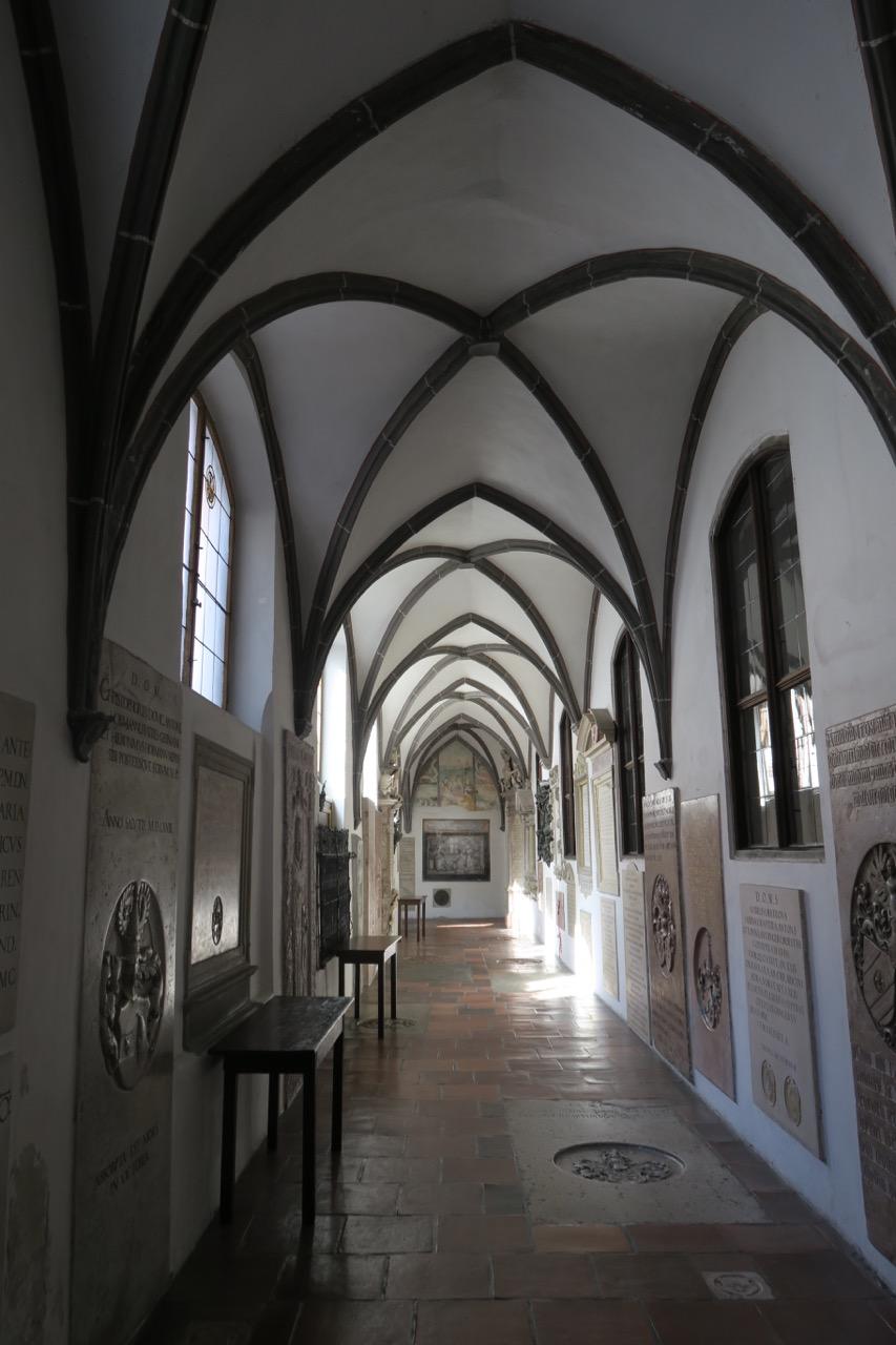 Kreuzgang (1464)