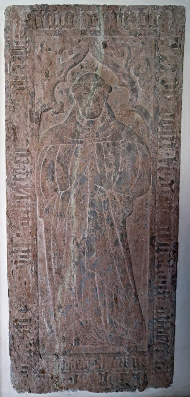Grabstein des Karmeliterpriors Arnoldus Andree (Erbauer des Chors)