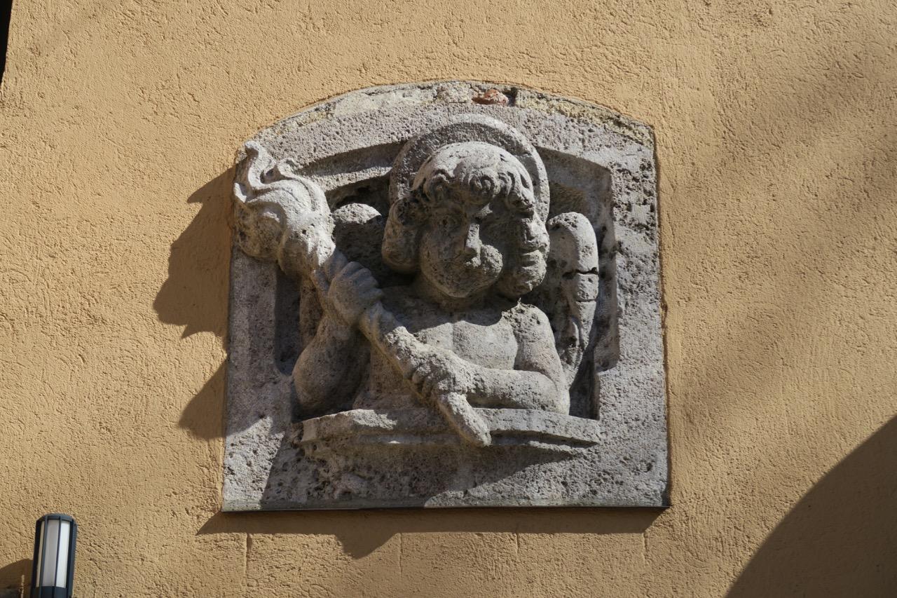 Engelsfigur an der Westfassade