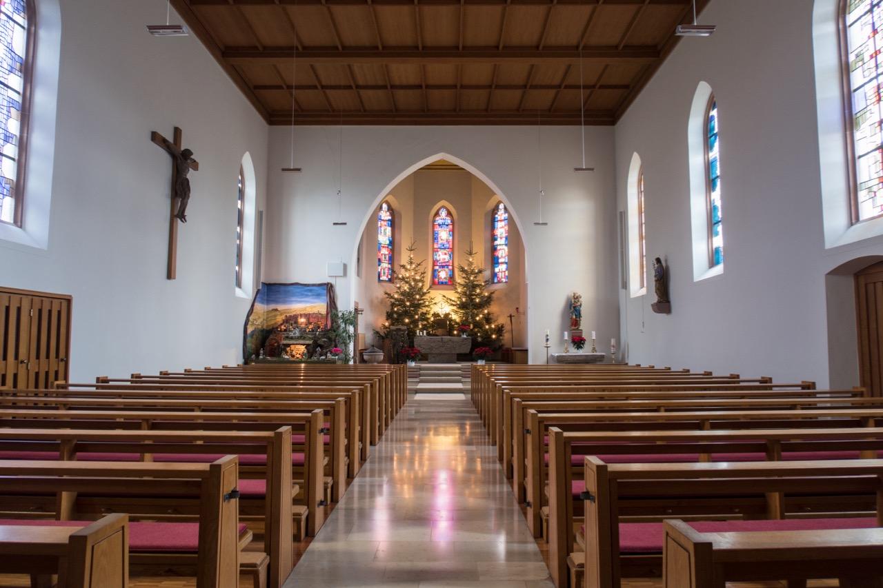 St. Peter und Paul, Innenansicht