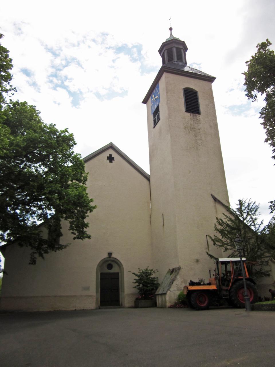 Stiftskirche St. Cyriakus, Außenansicht