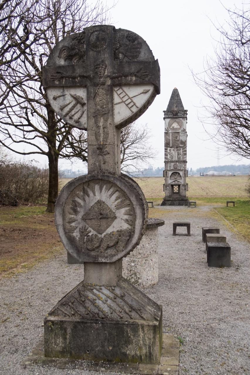 Außenkapelle Kreuz und Turm Johannes d. Täufer