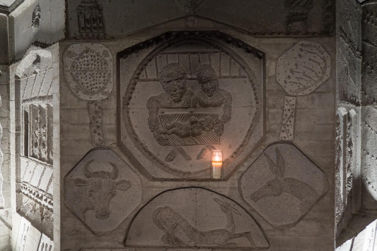Krypta, Relief Jesu Geburt
