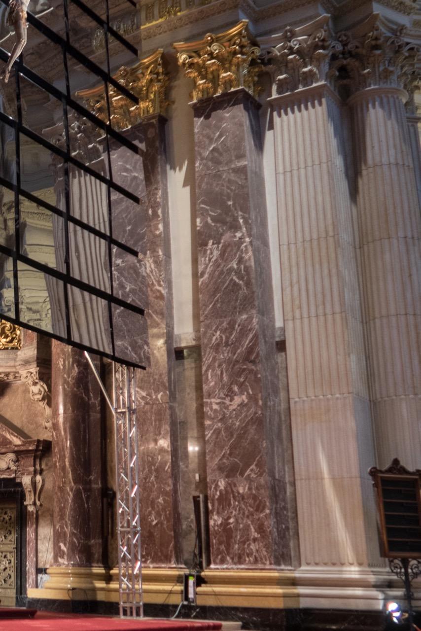 Pilaster im Altarraum