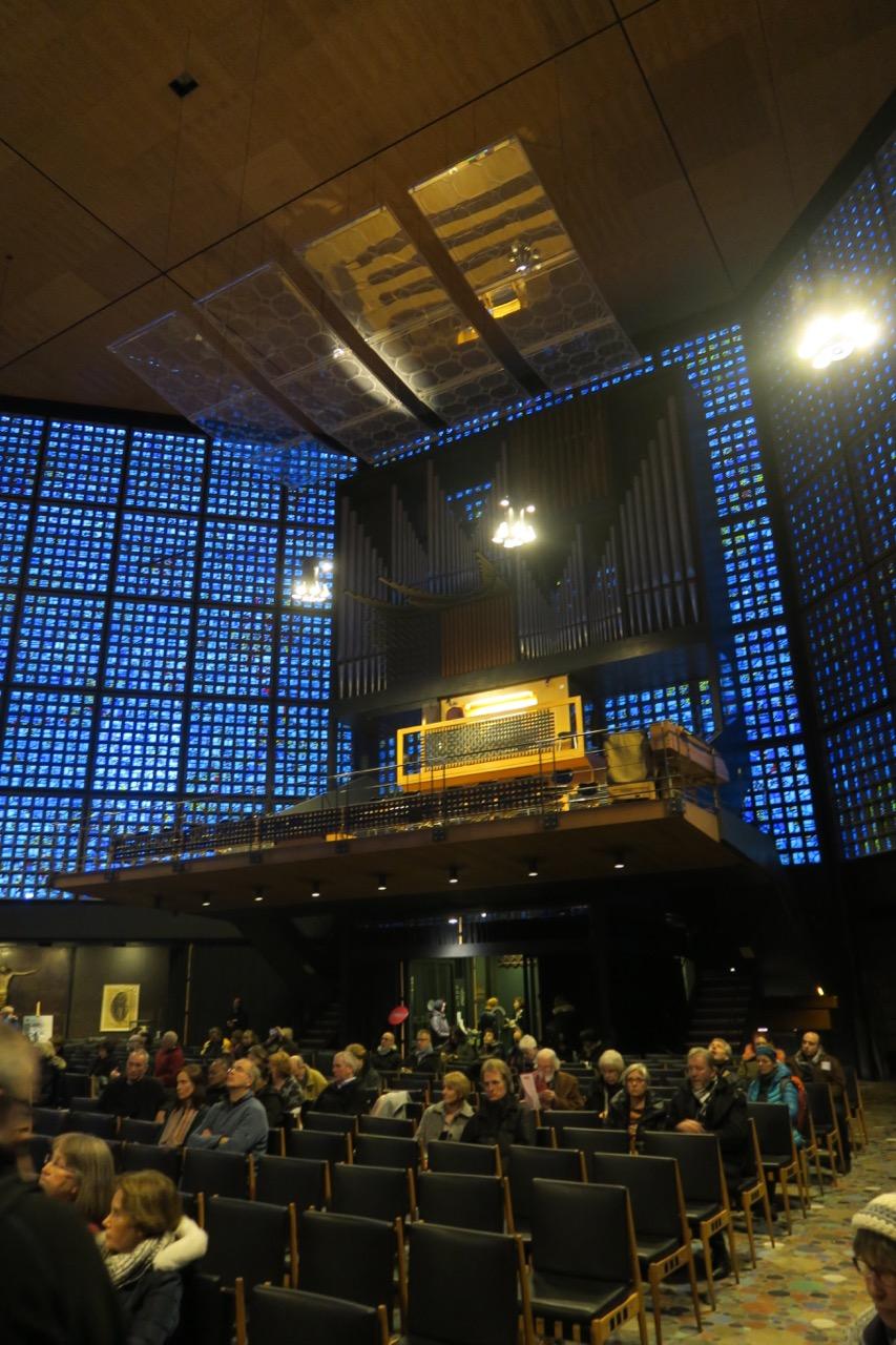 Innenansicht zur Orgel