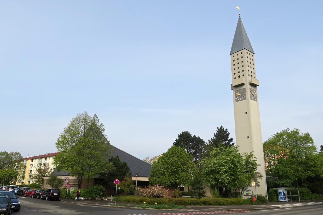 Paul-Gerhardt-Kirche, Außenansicht
