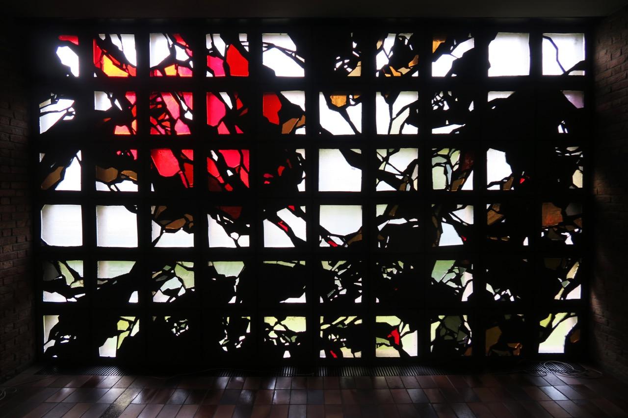 Detail der Glasfenster (Johannes Schreiter, 1961)