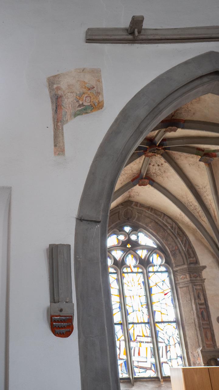 Rest Fresko und Blick in Bach-Kapelle