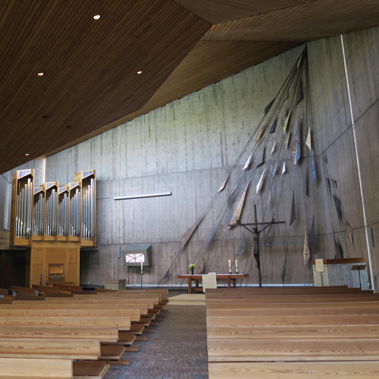 Versöhnungskirche, Innenansicht