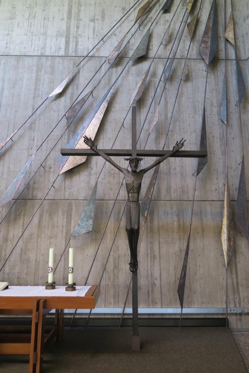 Kruzifixus (Albrecht Kneer, 1965)
