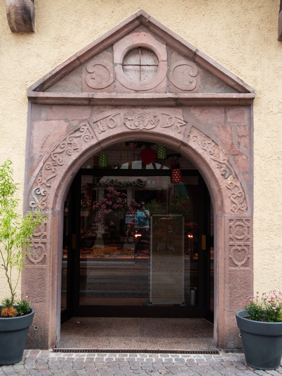 Ehemaliges Klosterportal an einer Metzgerei in Calw