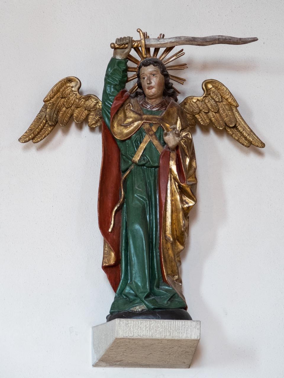 Statue des Erzengels Michael (um 1500, 1743 barock überarbeitet)