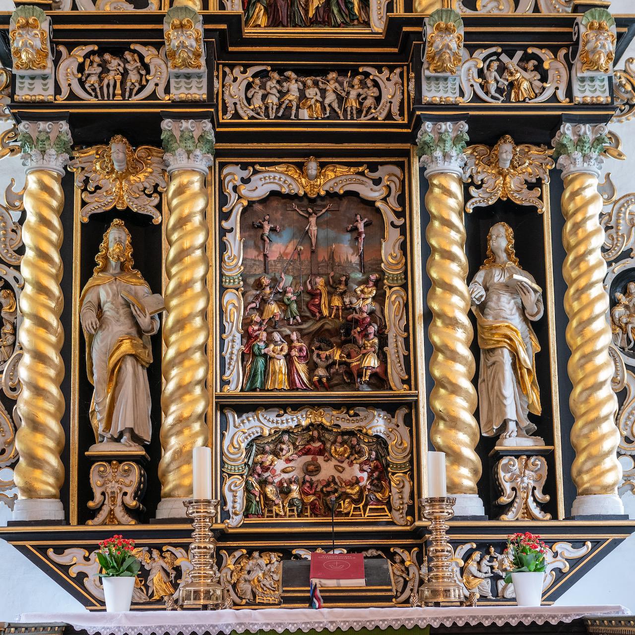 Altar, Detail
