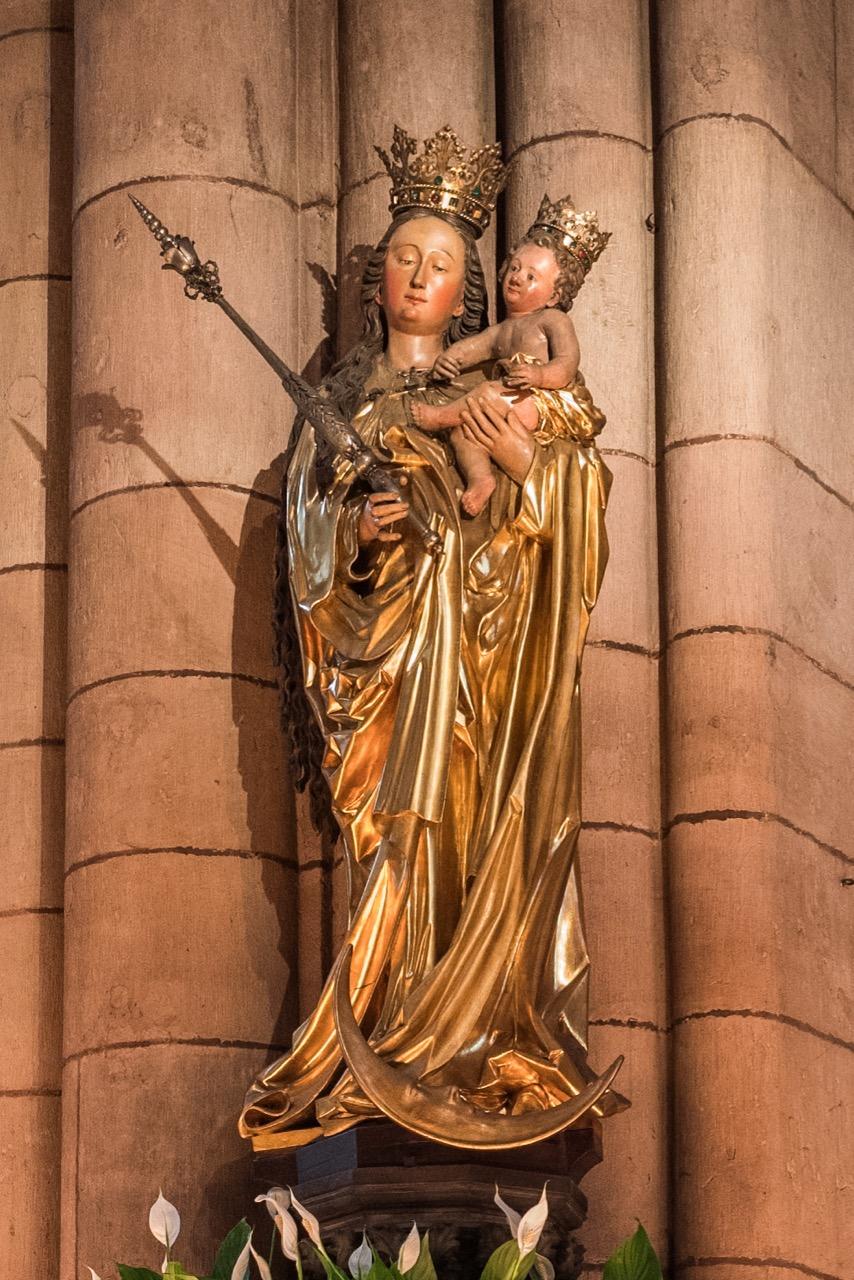"""""""Maria auf der Mondsichel"""" am südwestlichen Vierungspfeiler (frühes 16. Jh.)"""