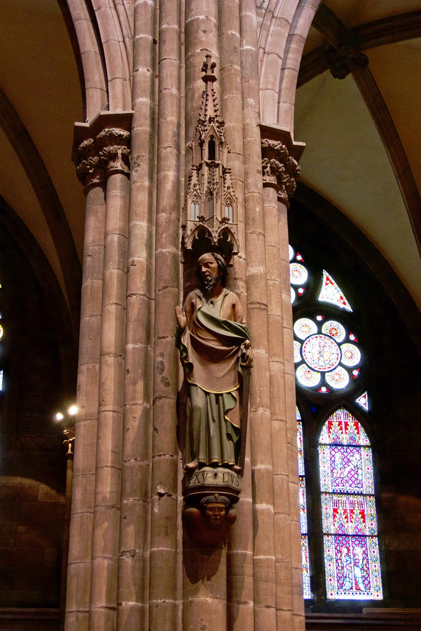 Figur des Apostels Paulus an der nördlichen Seitenschiffarkade (um 1310)