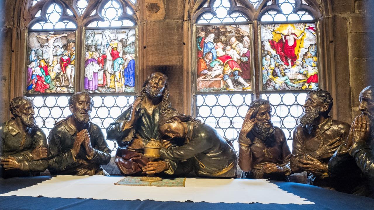 Neugotische Abendmahlskapelle (Steinfiguren von Christus und den zwölf Aposteln von Franz Xaver Hauser, 1806)