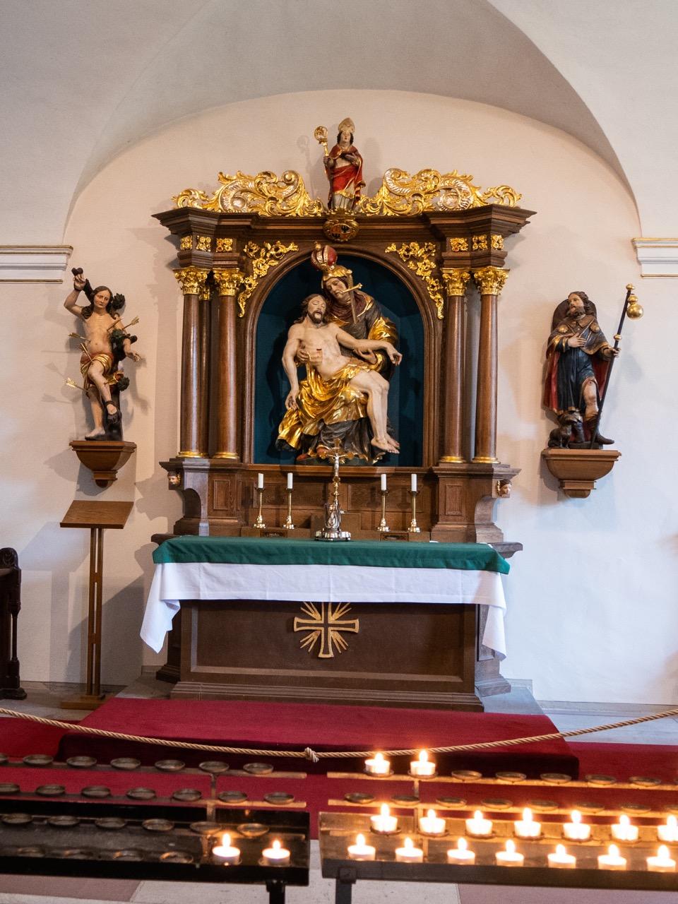 Rochuskapelle mit Altar von Andreas Balthasar Weber (1717)