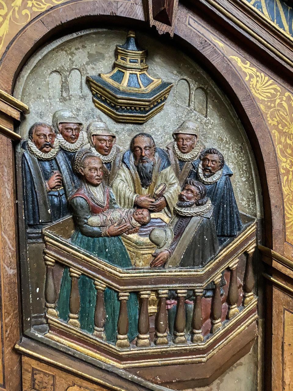 """Kanzel aus der Spätrenaissance (1620), Detail """"Taufe"""""""