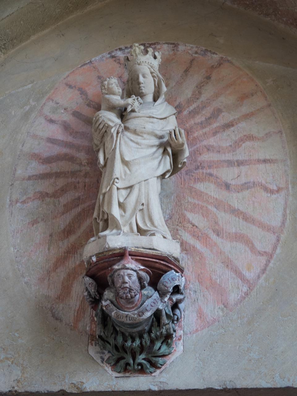 Madonna im Kreuzgangportal