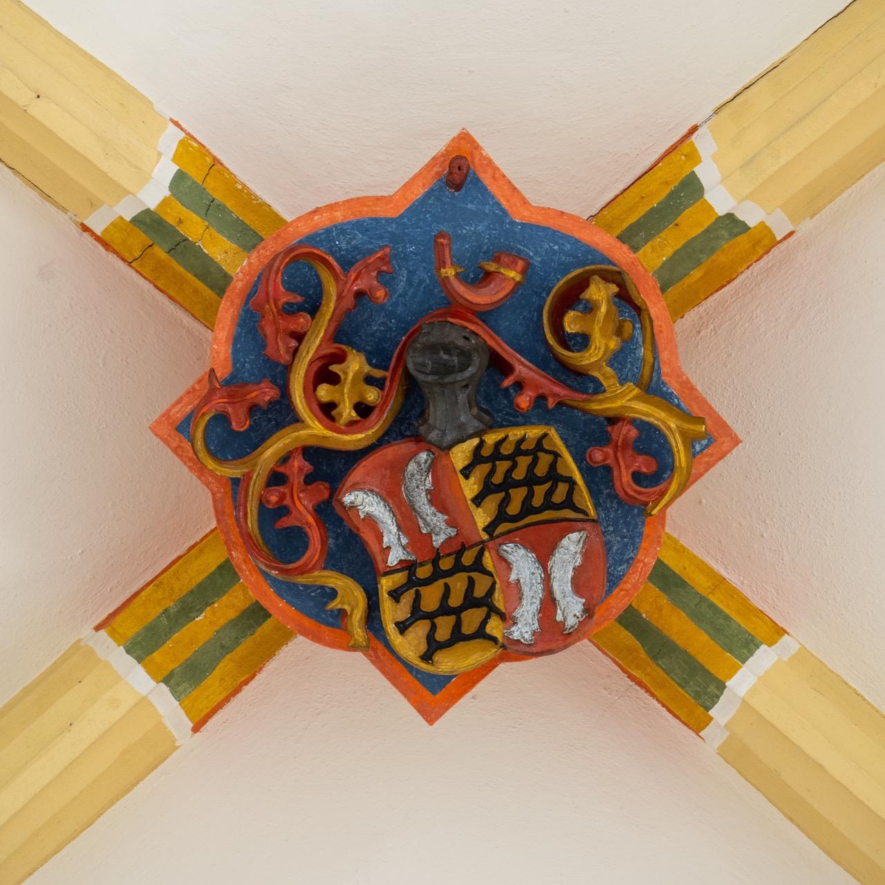Schlussstein mit dem württembergischen Wappen (vor der Erhebung Eberhards im Bart zum Herzog 1495)