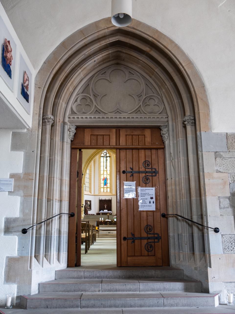 Eingang Portal Vorhalle