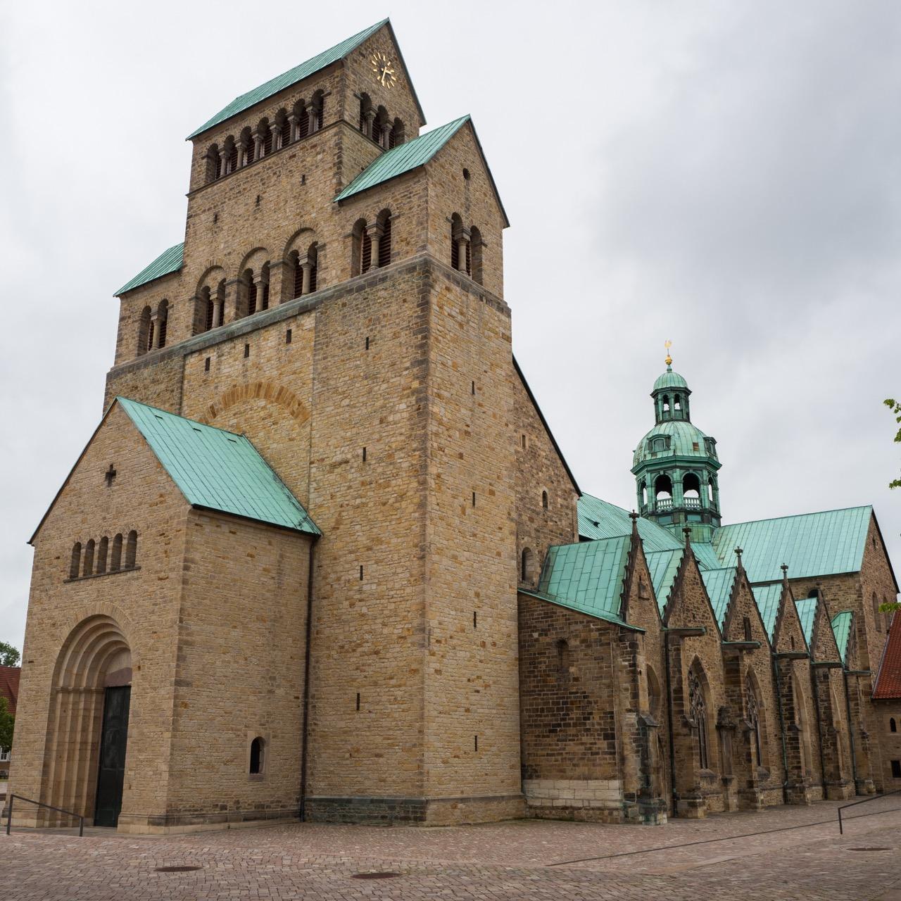 Hildesheimer Dom, Außenansicht von Südwesten