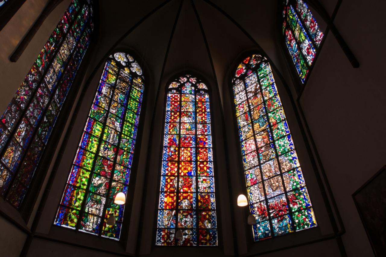 Fenster im Machabäerchor von Markus Lüpertz