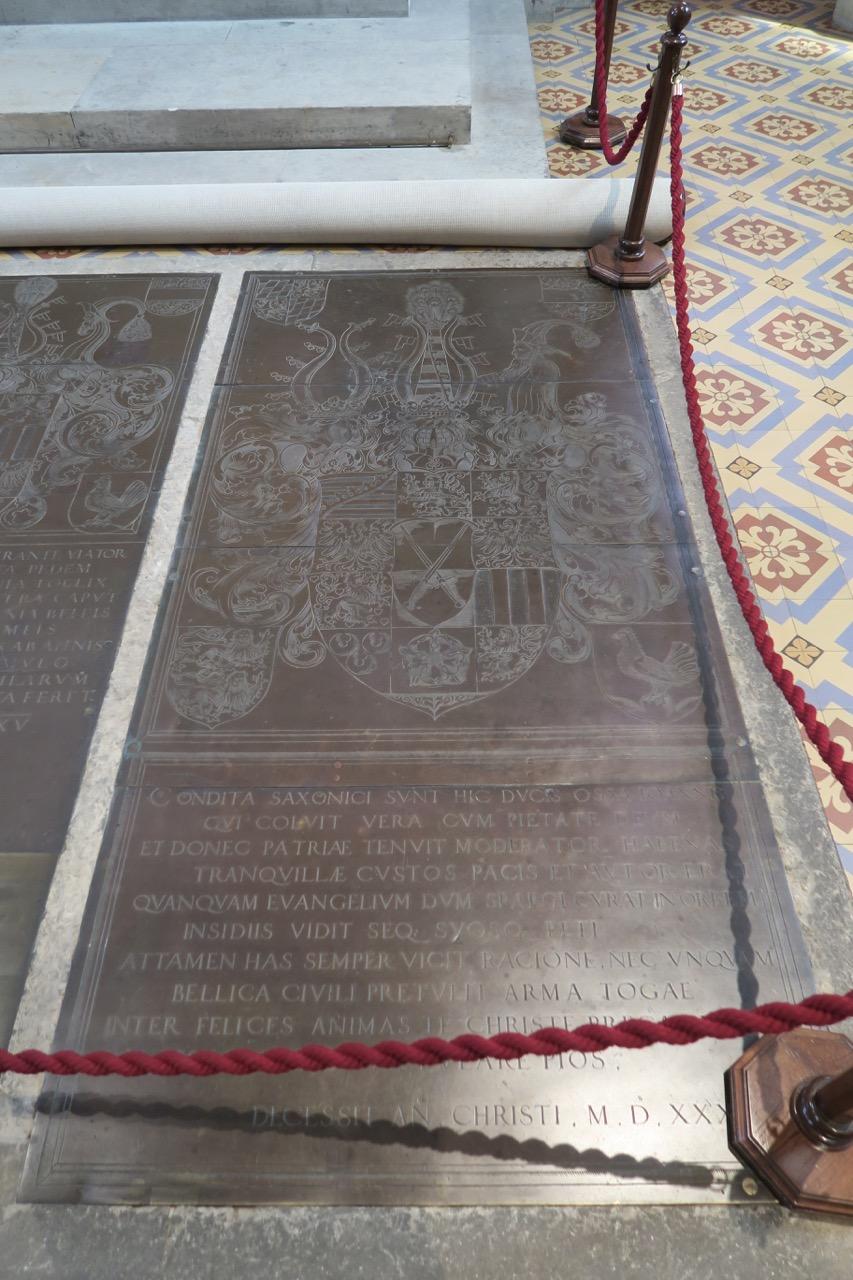 Bronzegrabplatte für Kurfürst Johann (gest. 1532; Vischerwerkstatt Nürnberg)
