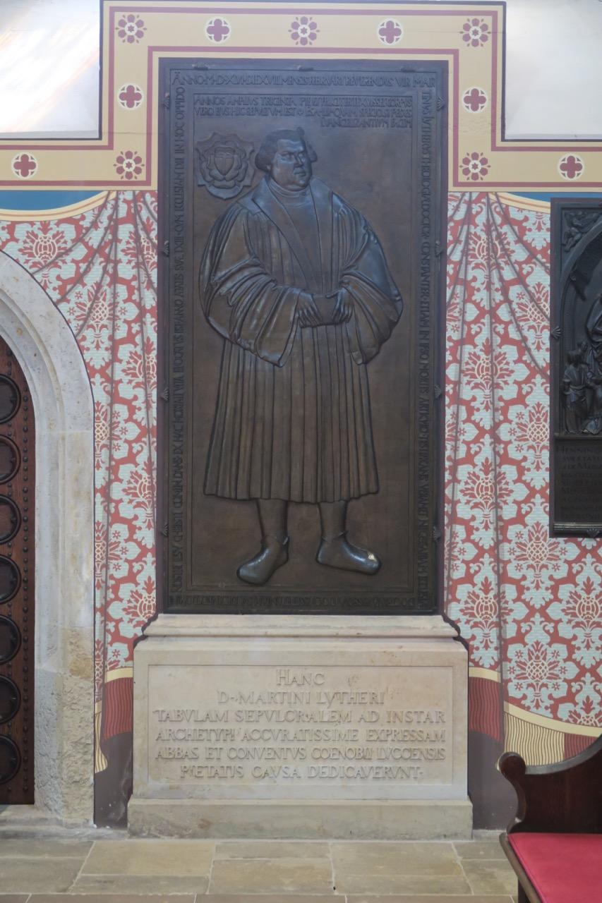 Bronzeepithaph für Martin Luther (1852 nach einem Original von 1548)