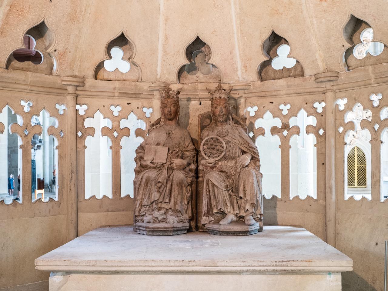 Figuren im Heiligen Grab (Christus und Ecclesia?)