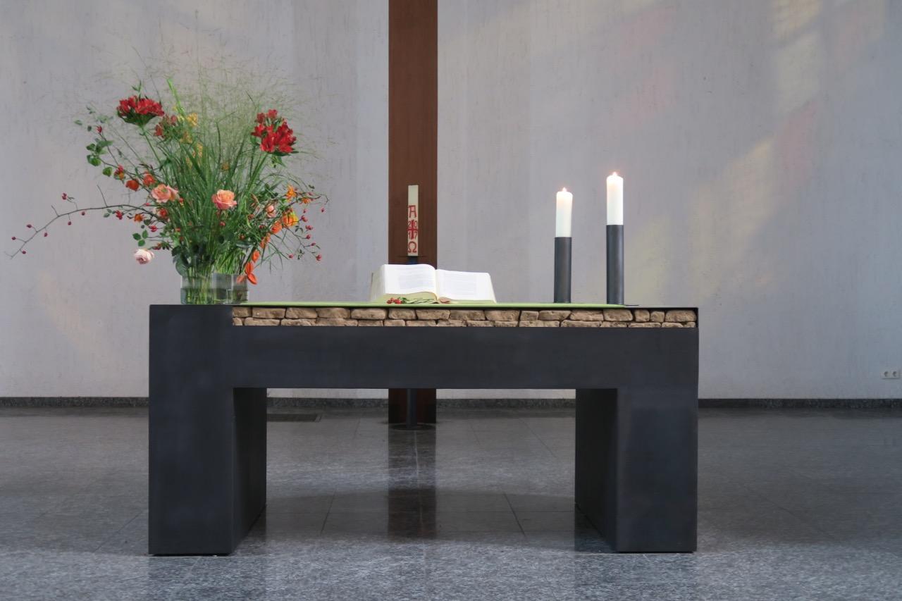 Altar, 2010