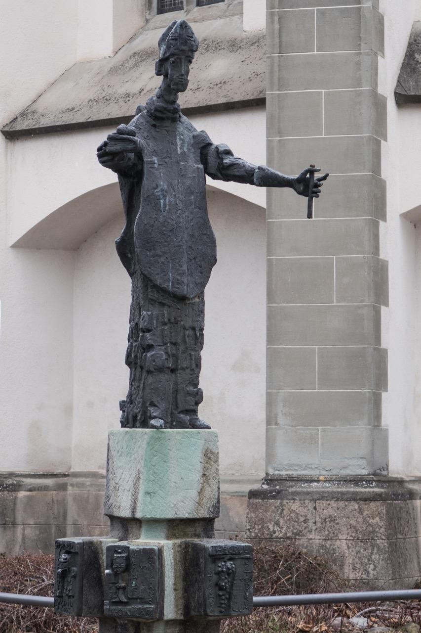 Statue Nikolaus von Josef Henger