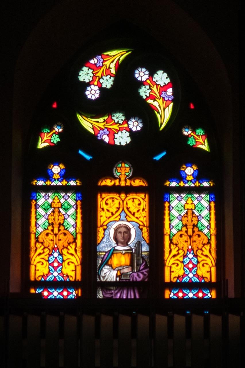 Fenster Westseite: St. Cäcilia mit Orgel