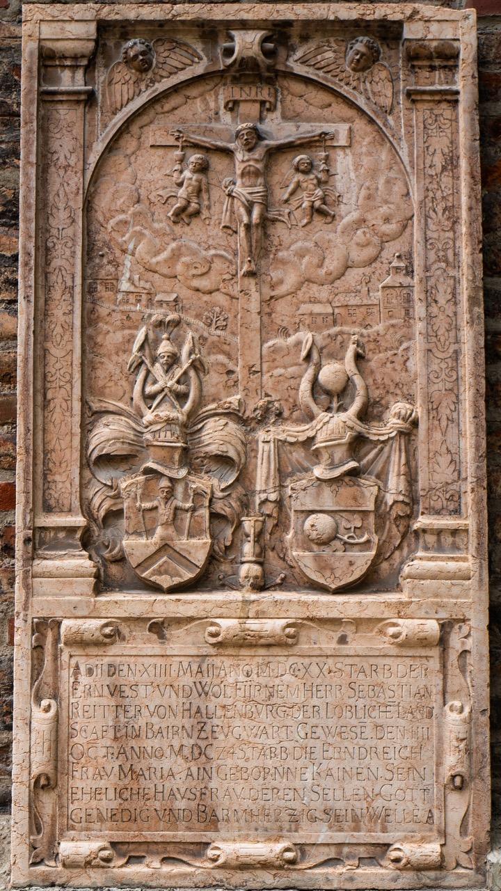Epitaph des Sebastian von Hallenburg († 1620) und seiner Ehefrau Maria, geb. Kainen († 1624)