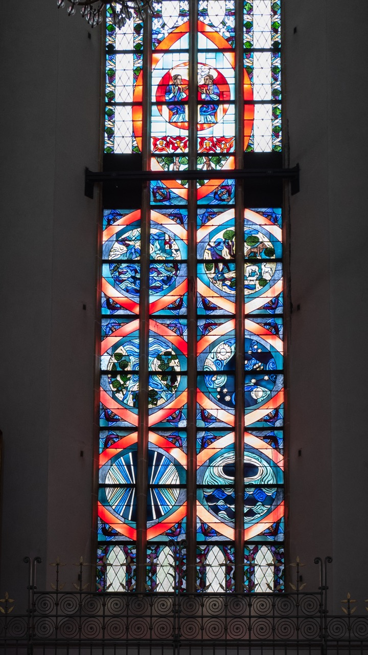 "Buntglasfenster ""Genesis"" (Wilhelm Geyer, 1961)"