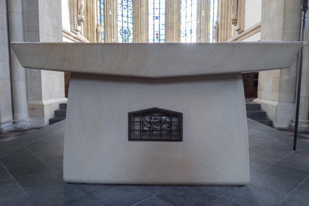 Altar mit Reliquie des hl. Ludger