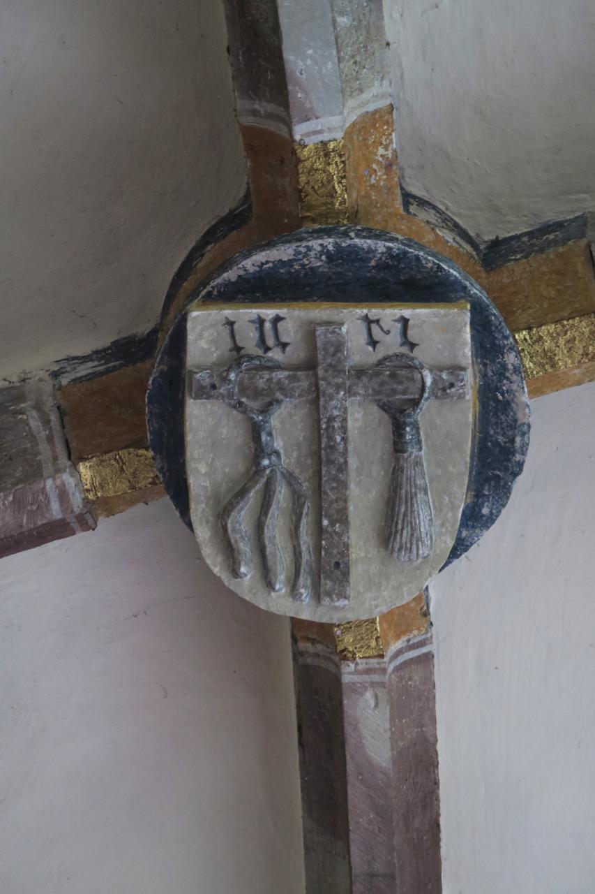 Schlussstein im Gewölbe der Taufkapelle (16. Jh.)