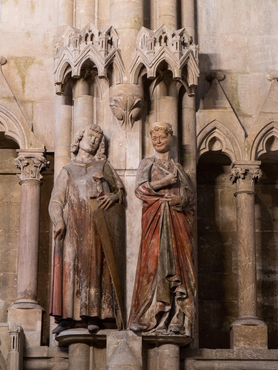 Stifterfiguren Reglindis und Hermann aus der Familie der Ekkehardiner