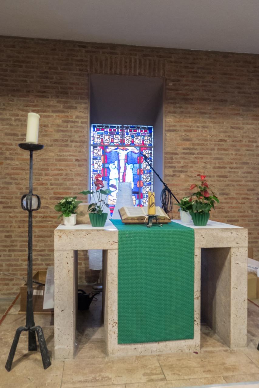 """Altar der """"Werktagskirche"""""""
