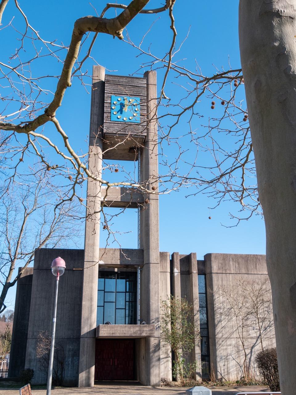Kirchturm mit Turmuhr (2004)