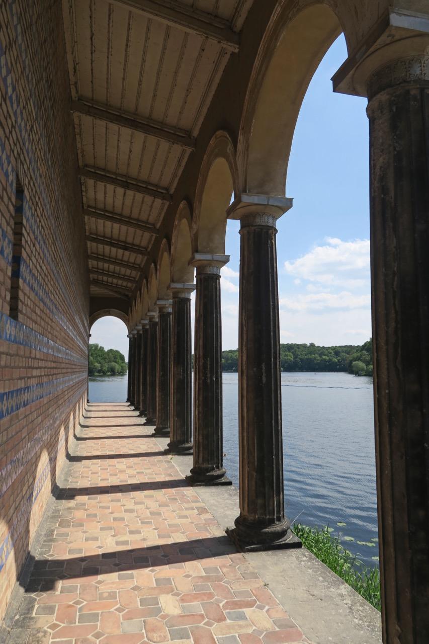 Südlicher Säulenumgang