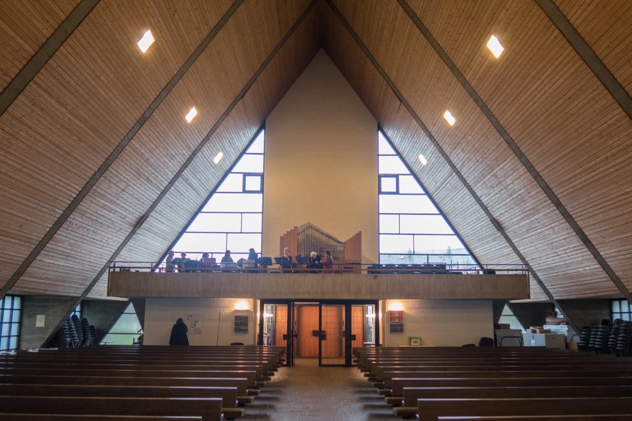Innenraum, Blick zur Orgelempore