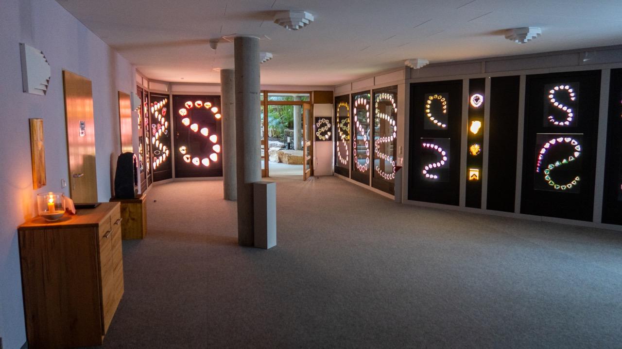 Vorraum mit Turmalinausstellung