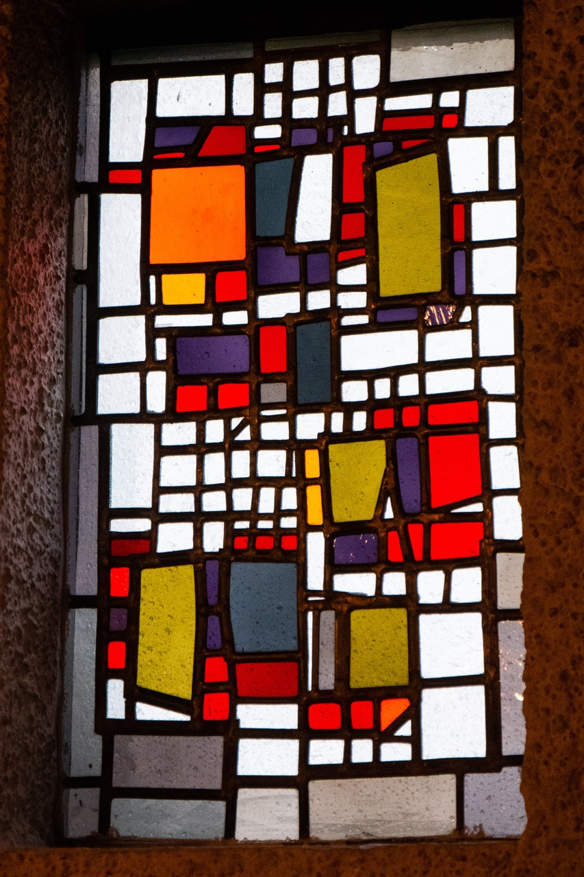 Buntglasfenster in der Kapelle (Emil Kiess, 1969)