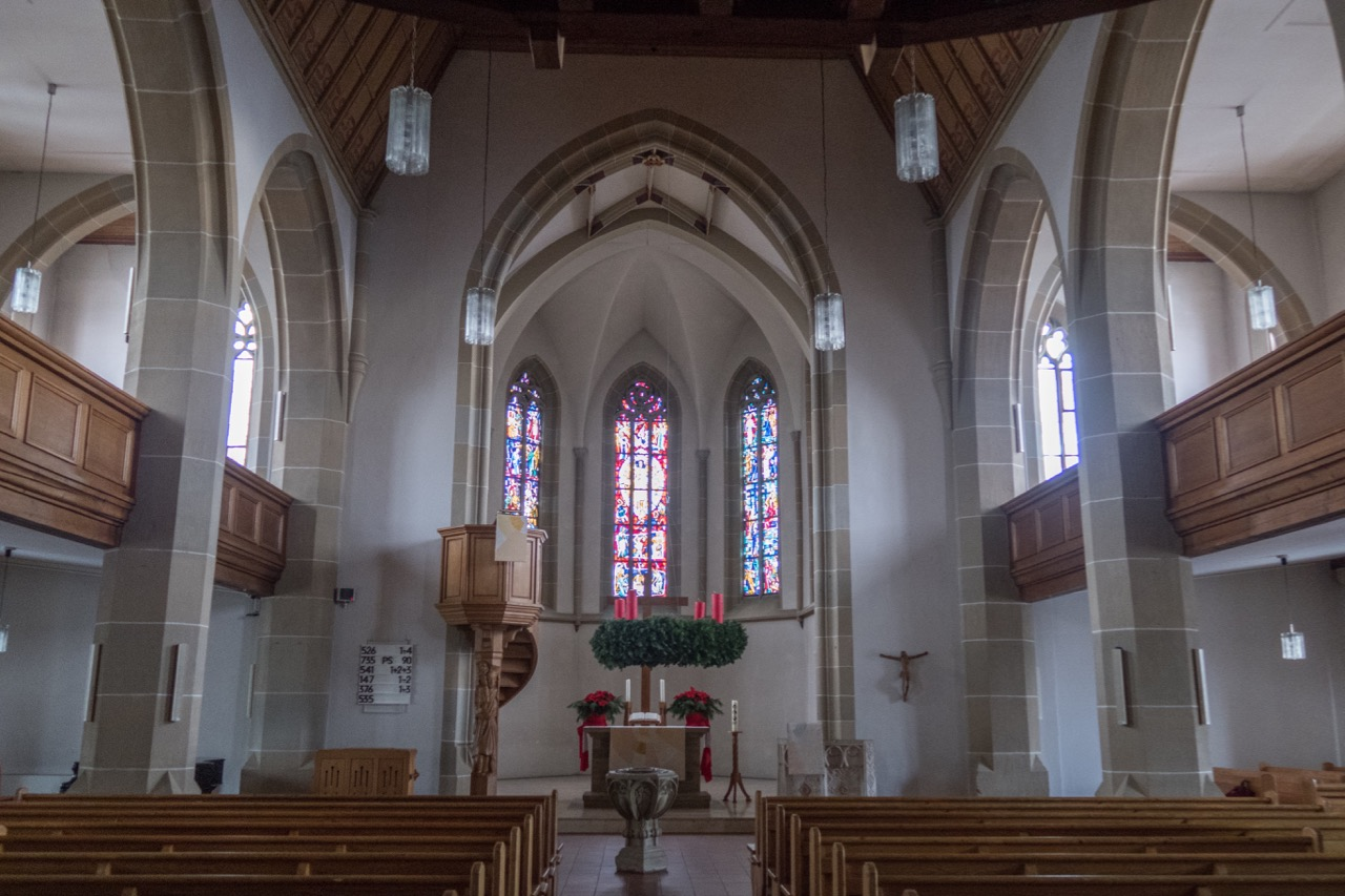 Martinskirche Stuttgart-Möhringen, Innenansicht