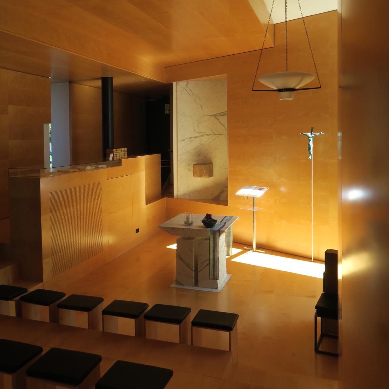 Kapelle Tagungszentrum Stuttgart-Hohenheim, Innenansicht