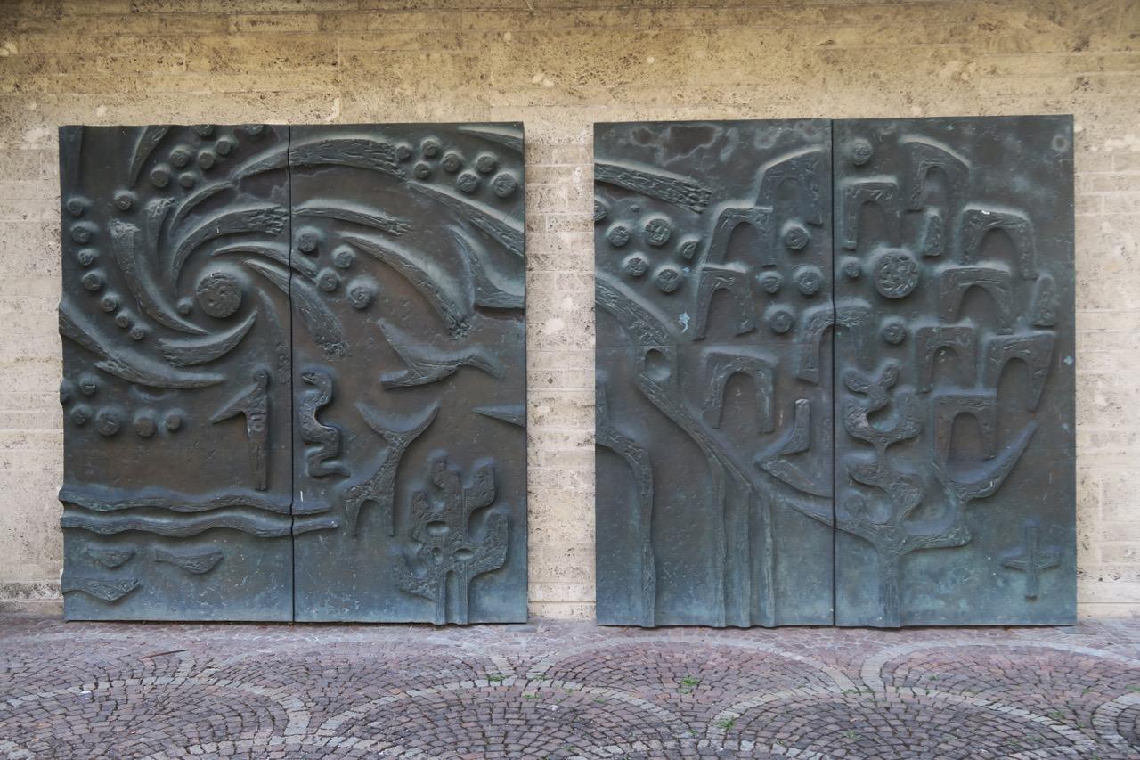 Bronzeportal (Schöpfung und Welterlösung)