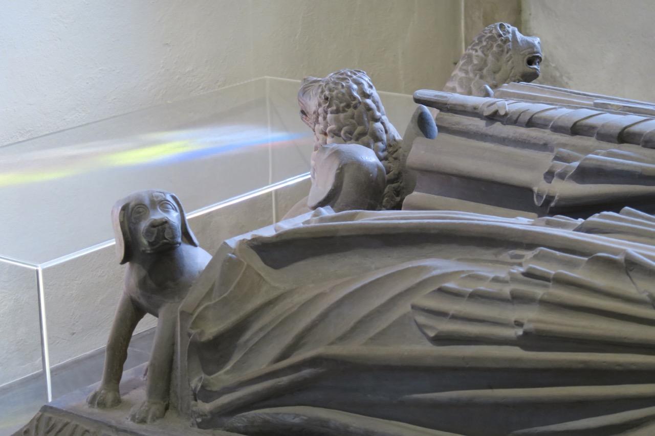 Grabplatte von Graf Ulrich I. (Detail)